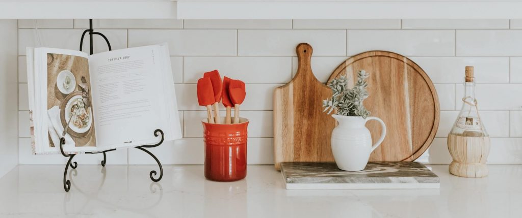 Why a kitchen & home spring-clean is good for you / Smartpack